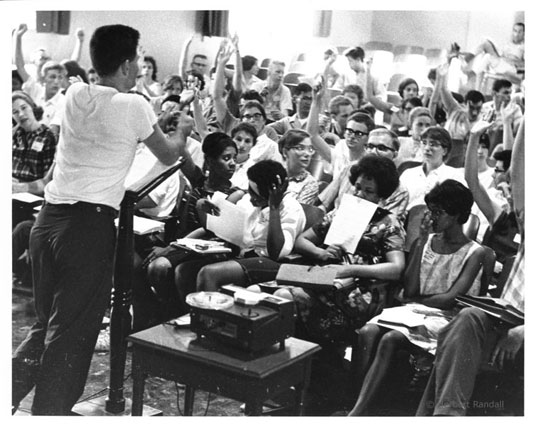 Staughton Lynd speaks with Freedom School teachers in Oxford, Ohio, 1964