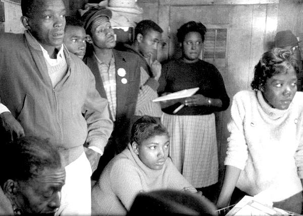 SNCC workers prepare to go to Belzoni, Miss., in the Fall of 1963 to organize for the Freedom Vote. Courtesy of www.crmvet.org.