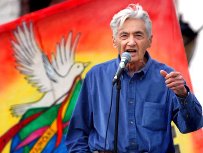 Howard Zinn at Peace Rally | Zinn Education Project: Teaching People's History