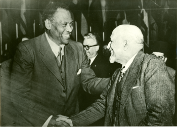 Robeson and Du Bois in Paris, 1949 | Zinn Education Project: Teaching People's History