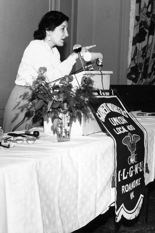 an immigration project on barbara sobieszczanska The cast of jak sevci zvedli vojnu pro cervenou sukni maja hirsch as iza slawomir holland as policeman staszek barbara horawianka as as waiter robert wackowski as man magdalena walach as agnieszka olszewska zbigniew walerys marta walesiak as klara sobieszczanska aleksandra.