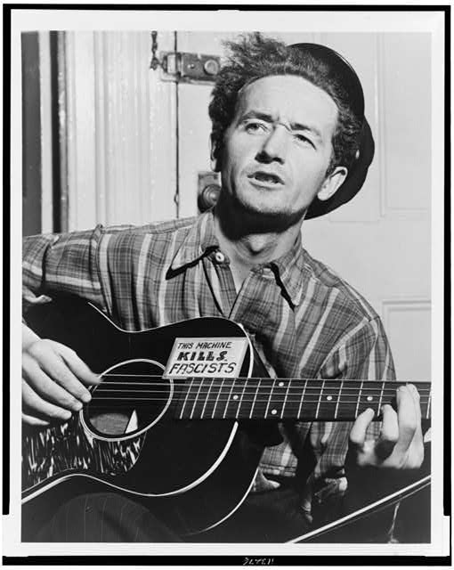 Woodie Guthrie,1943 | Zinn Education Project: Teaching People's History