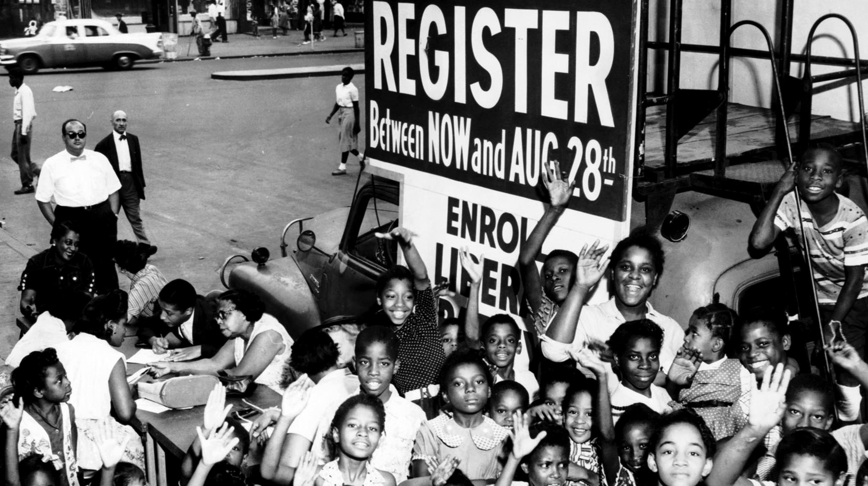 Voter registration drive. Image: Kheel Center/Cornell University.