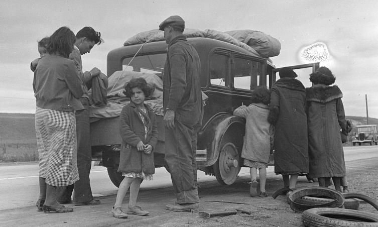 Deportations-Families-Relocating.jpg
