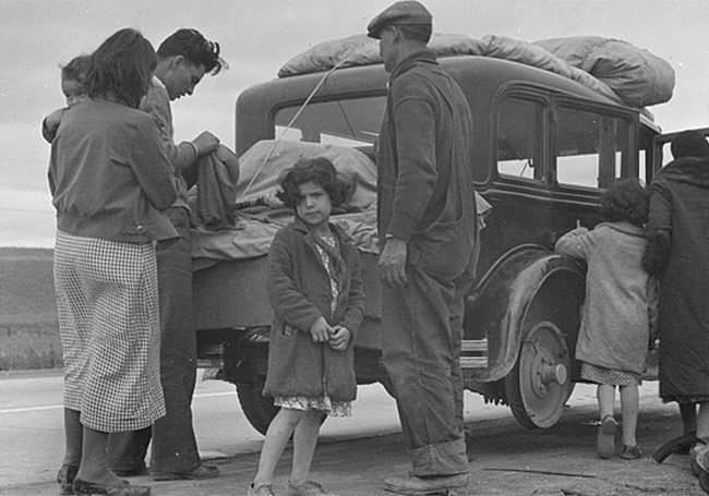 Deportations Family Leaving | Zinn Education Project
