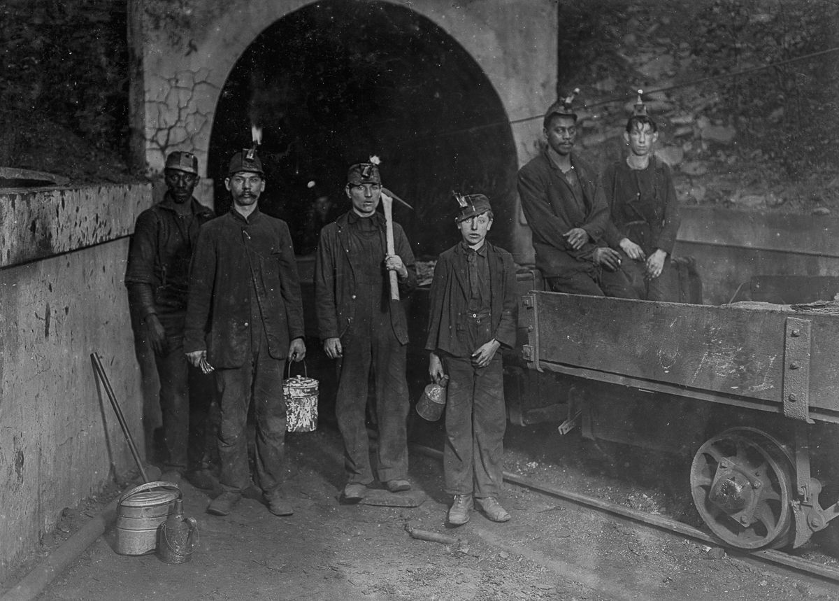 Mine workers in Gary, West Virginia, 1908