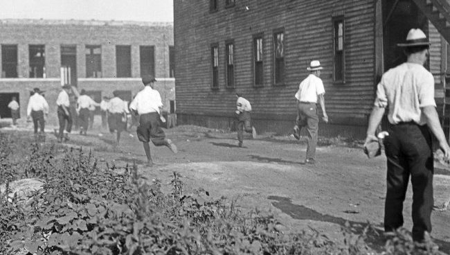 Chicago Race Riots (photo)   Zinn Education Project.